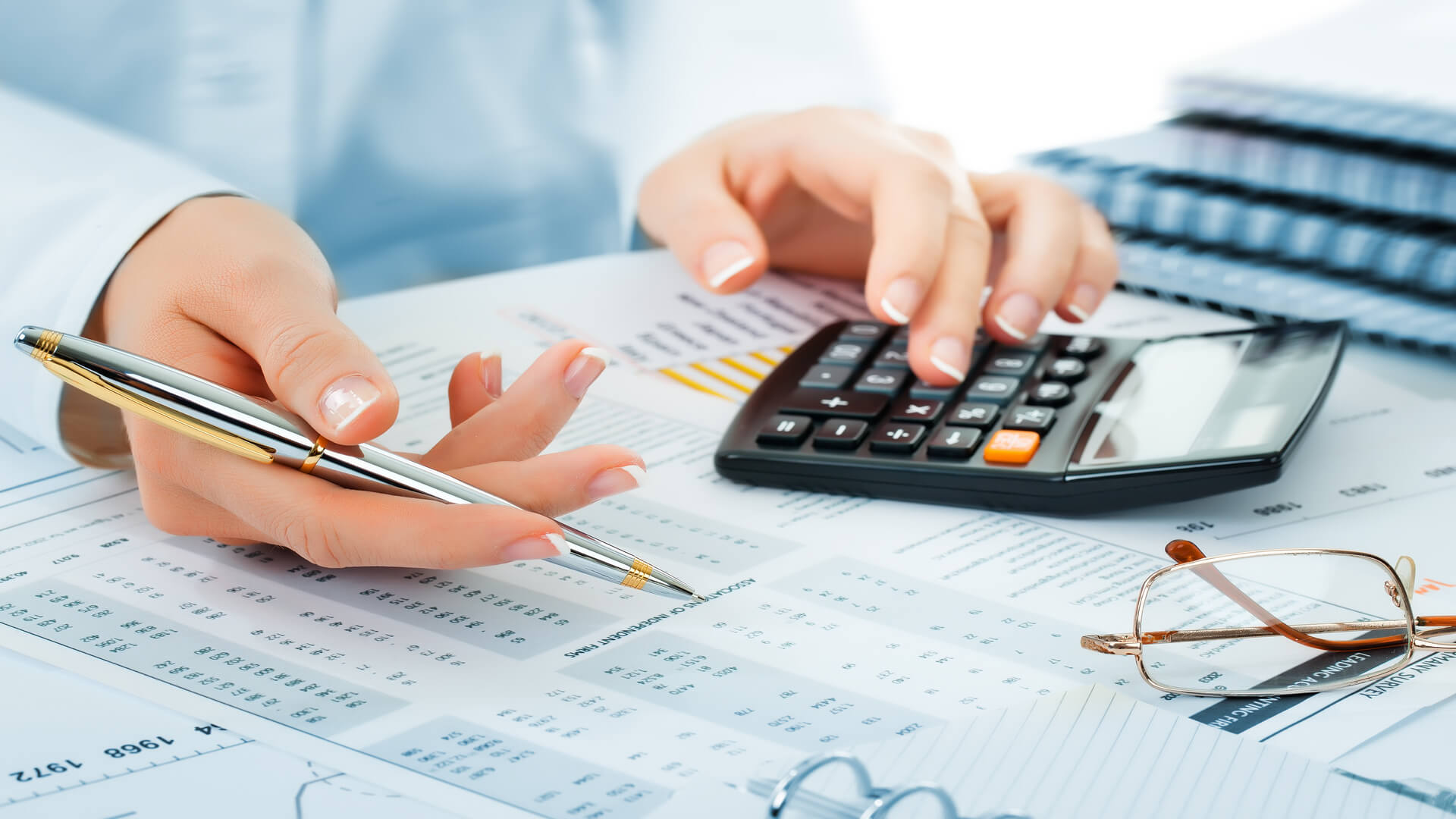 Financial report accounting business